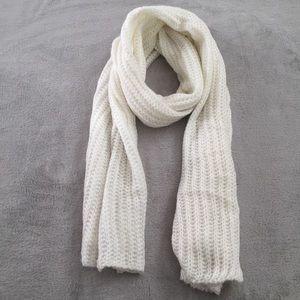 Ivory Chunky Knit Scarf
